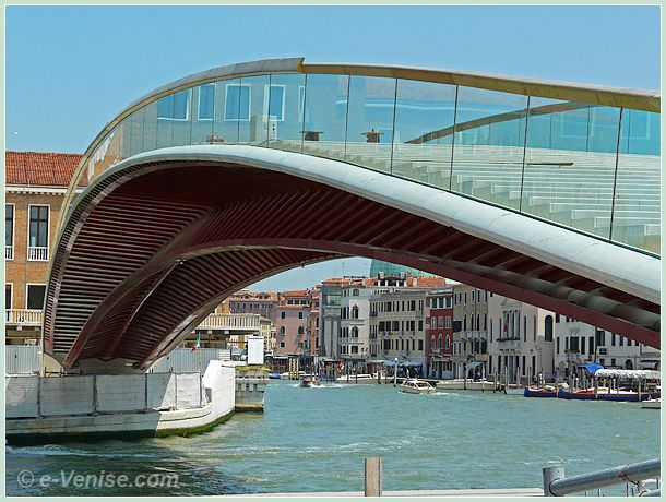 le pont calatrava constitution le quatri me pont sur le grand canal venise e. Black Bedroom Furniture Sets. Home Design Ideas